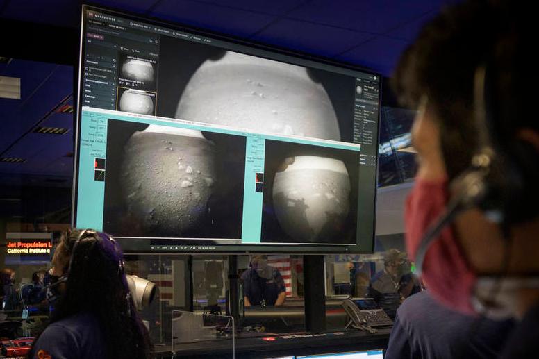 Erste neue Bilder vom Mars